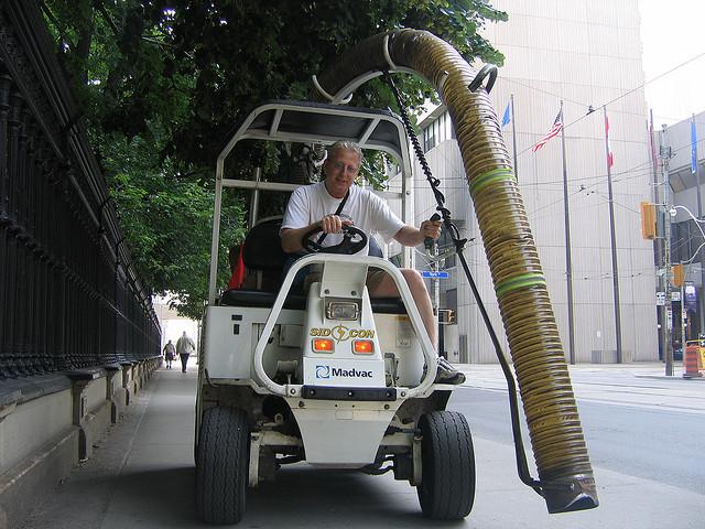 道のお掃除車