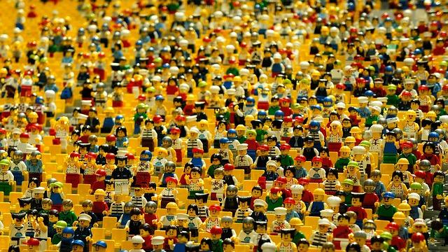 日本の奇妙な光景:人がやたらと多い