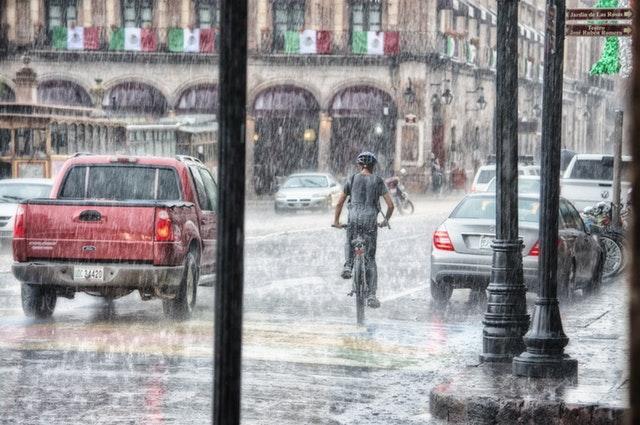 アメリカの常識:車道を走る自転車
