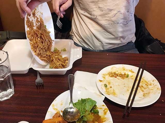 海外旅行で気をつけること:食事の持ち帰り
