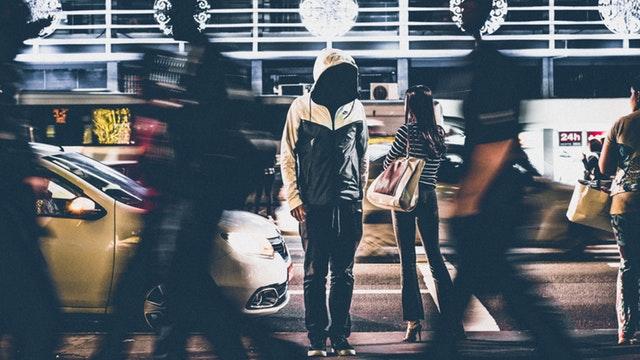 海外旅行で気をつけること:暗くなってからの外出