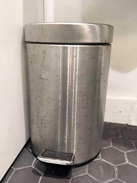 アストニッシュクリーナの汚れの落ち方:ゴミ箱